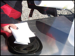 laydown the paper towel